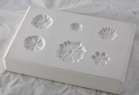 forma gipsowa - kwiatki